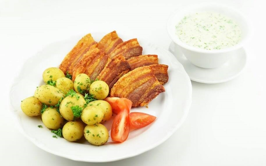 All you can eat for 149 kroner: Kro serverer stegt flæsk ad libitum hver torsdag - Smag Odense